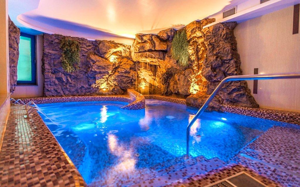 Luxusní wellness v Prémium Hotelu Panoráma **** s polopenzí u Balatonu