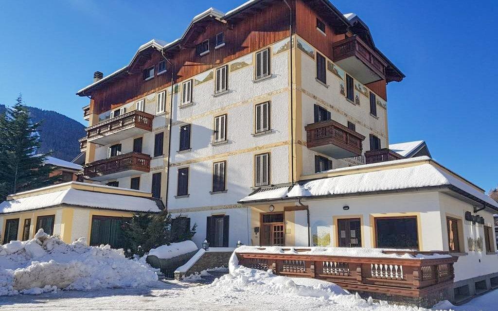Italská Aprica v Hotelu Posta *** se skipasem, polopenzí a autobusovou dopravou