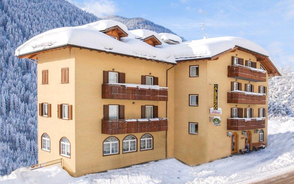 Italské Alpy: Hotel Milano Vermiglio *** s domácí polopenzí a přímo u skibusu