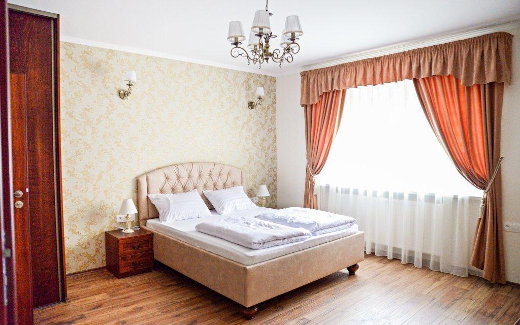 Veľký Meder luxusně v Penzionu Heléné s vířivkou, polopenzí a slevou do lázní