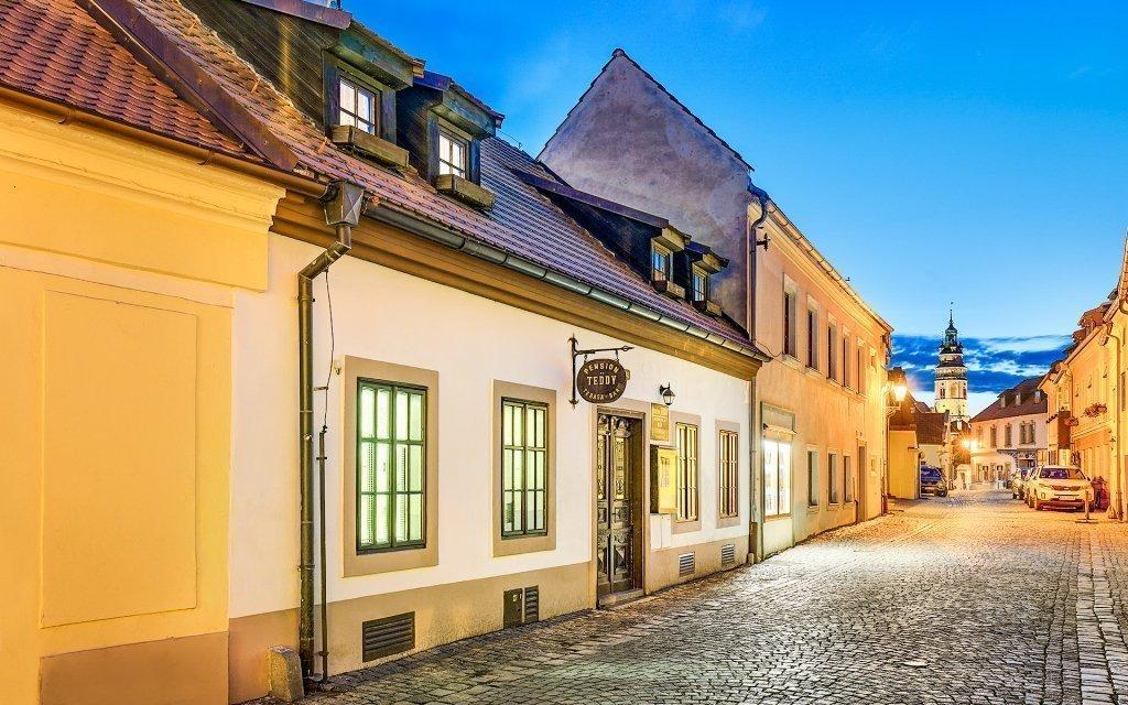 Český Krumlov v penzionu Teddy v historickém centru se snídaní a slevami