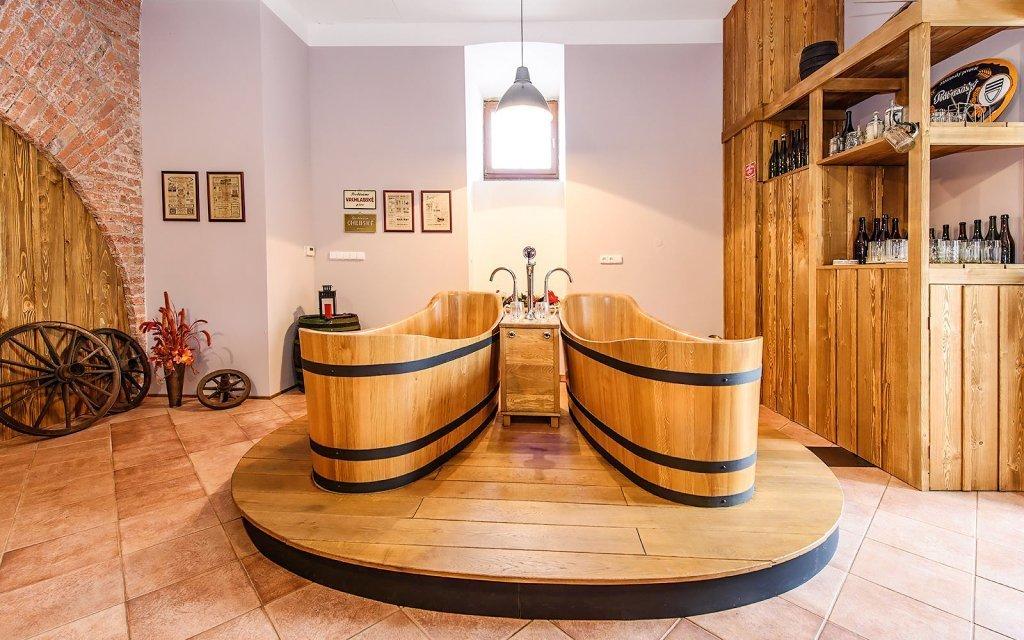 Poděbrady s pivní lázní, neomezenou konzumací piva a snídaní v Penzionu Obora