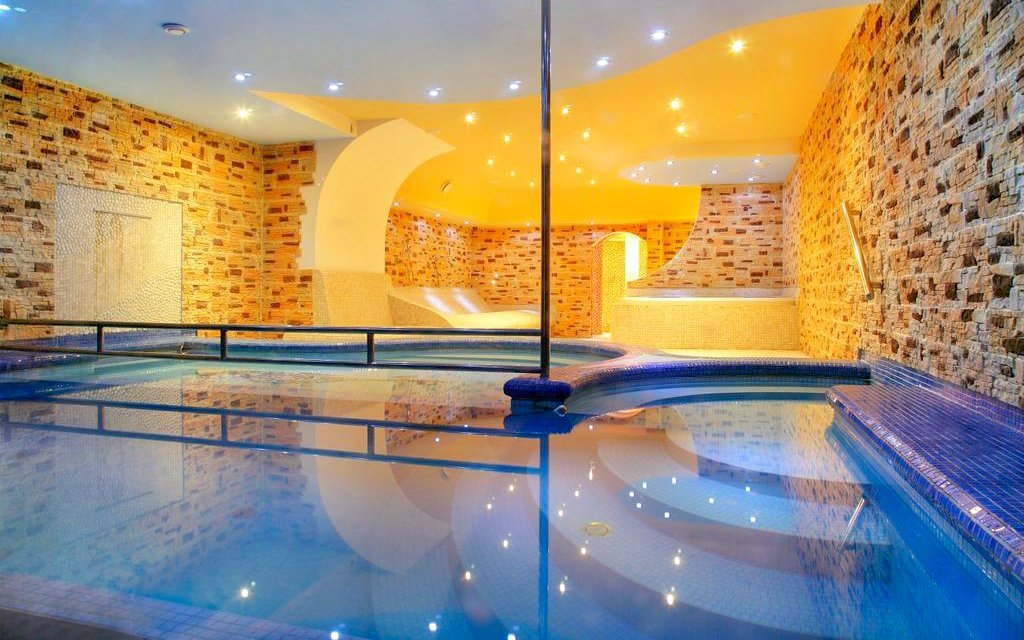 Špindlerův Mlýn u ski areálu v Hotelu Lesana *** s polopenzí a bohatým wellness