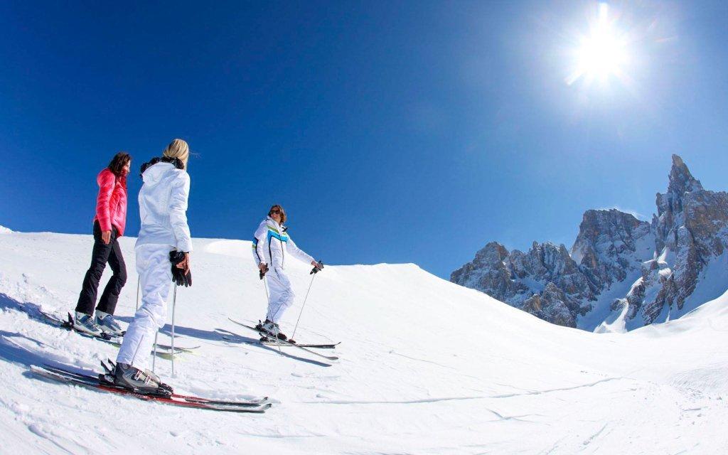 Dolomity v Hotelu Alpenrose *** s polopenzí a wellness + lyžování v Passo Rolle