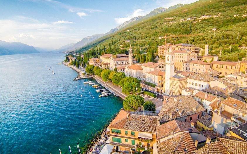 Lago di Garda v historickém Gard Family House u pláže s polopenzí